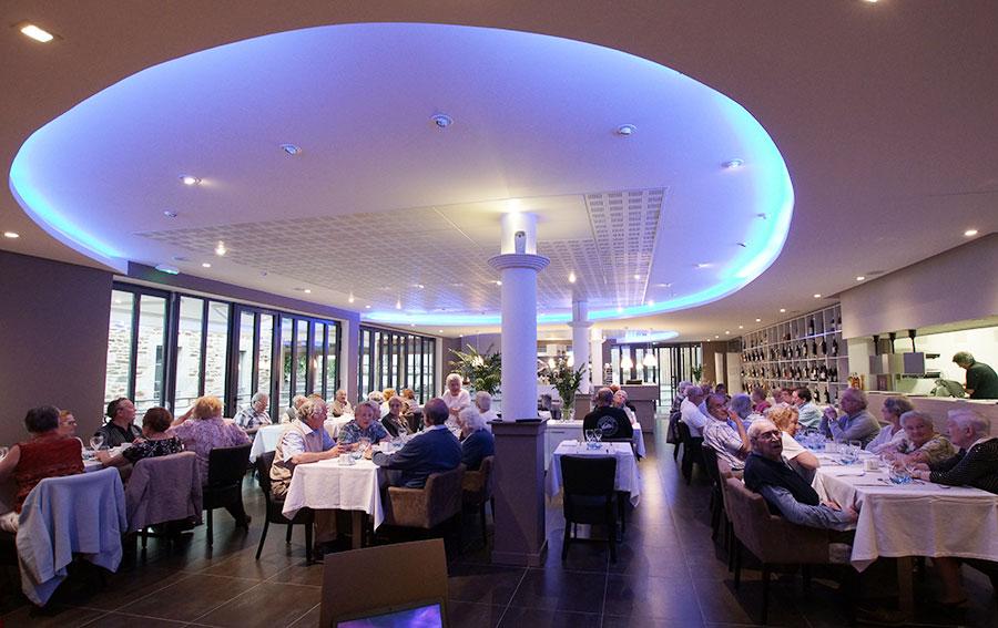 accueil groupes restaurant chaudes aigues cantal aveyron aubrac